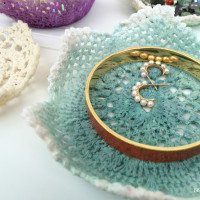ombre doily bowls
