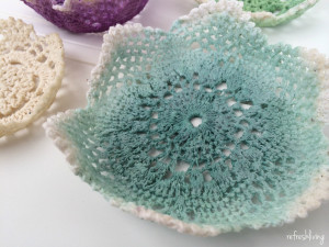 A great use for vintage doilies or lace circles. These DIY doily bowls would be perfect for holding jewelry, candy, or any little knick knacks on a nightstand, dresser, or counter.