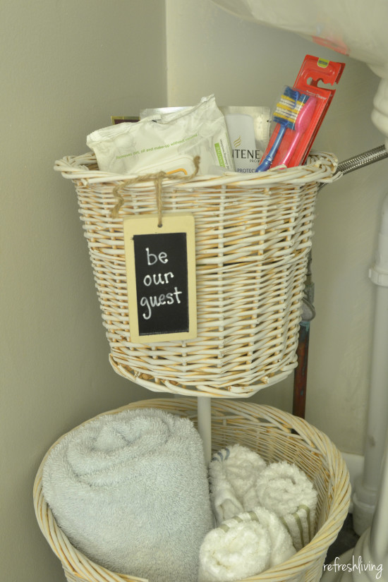 upcycled baskets DIY bathroom organizer