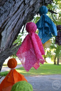 Use leftover fabric scraps to create easy DIY Halloween decor | perfect craft for the kids | Scrap Fabric Hanging Ghosts
