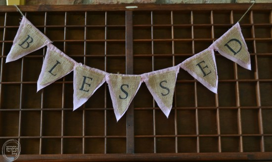 easy burlap banner with stenciled letters / Easy DIY Fabric and Burlap Banners / www.refreshliving.net