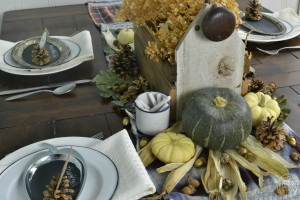 Centerpiece with pumpkins and squash | Natural Fall Tablescape with Vintage Finds