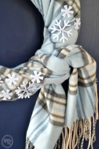 Use a scarf to make an easy and cheap winter wreath