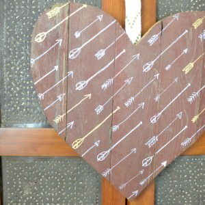 Rustic Valentine's Decor – DIY Wood Sign