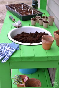 Easy 2 x 4 project   Build a potting bench out of 2 x 4s   DIY potting bench
