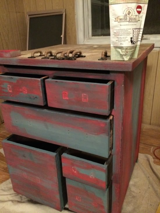 how to paint and show multiple layers of paint on furniture