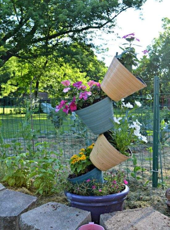 summer garden tour DIY stacked flower pot