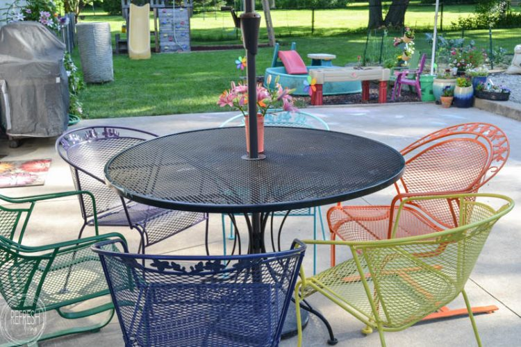 It's amazing how an old metal patio set - How To Paint Metal Lawn Furniture - Refresh Living