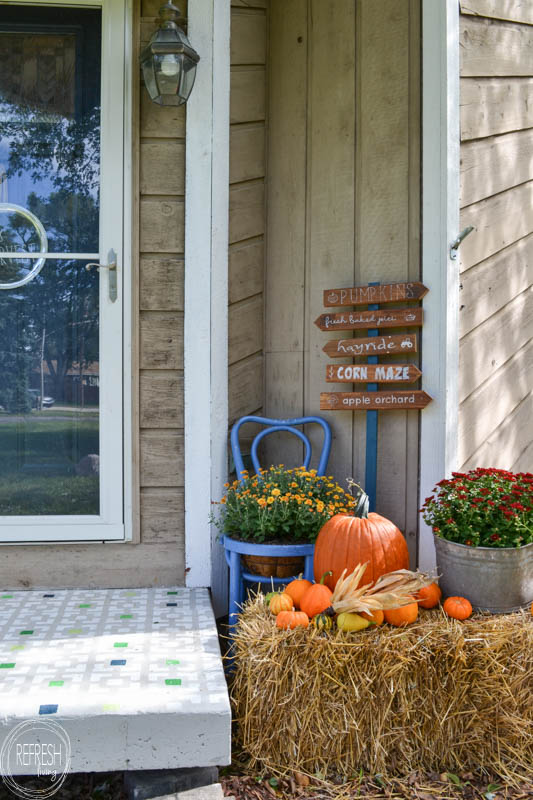 fall-front-porch-with-pumpkins-and-mums-6