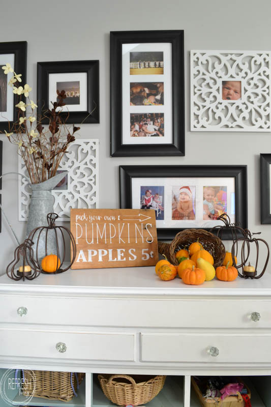 diy-hand-painted-pumpkins-and-apples-fall-sign-6