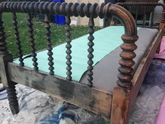 painted-antique-bed-5