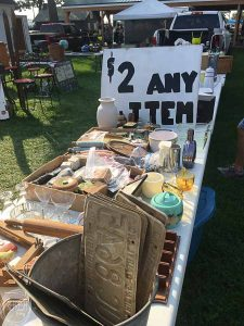 I LOVE flea markets, and now I think I'll be able to get even better deals after reading this!