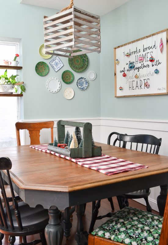 Vintage Inspired Christmas Dining Room - Refresh Living