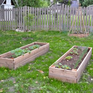 DIY Raised Garden Bed (and an easy soil mixture blend to fill it with)