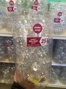 This is a great way for kids to make their own ornaments using clear ornaments. The perfect craft for Christmas classroom parties for preschool, kindergarten and first grade.