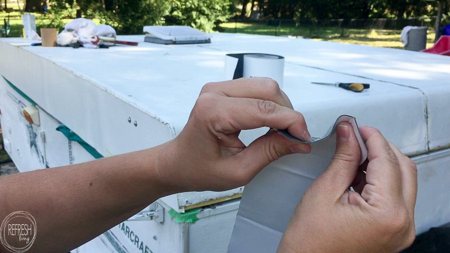 Does Eternabond tape work? Eternabond tape is a great product for repairing holes and leaks in a pop up camper roof. Here's how to apply the tape to keep your roof watertight.