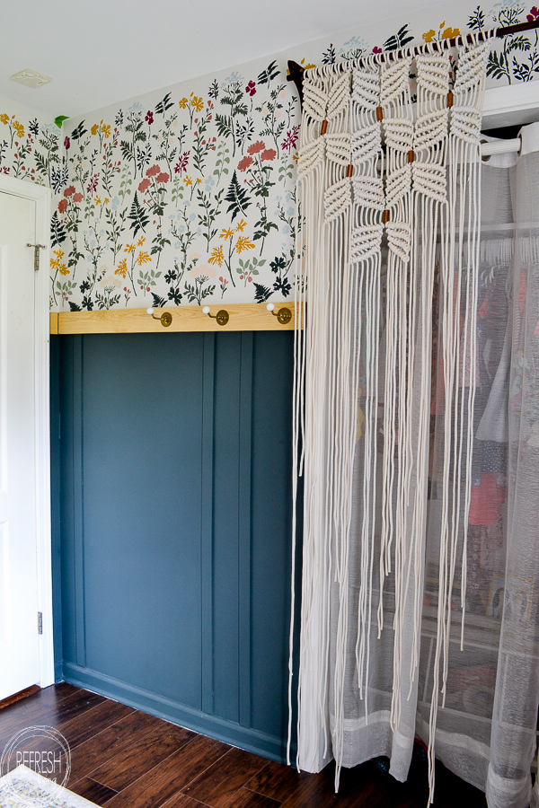 Get the look of modern floral wallpaper at a fraction of the cost with this DIY! Kids bedroom makeover with modern, vintage, and boho style.
